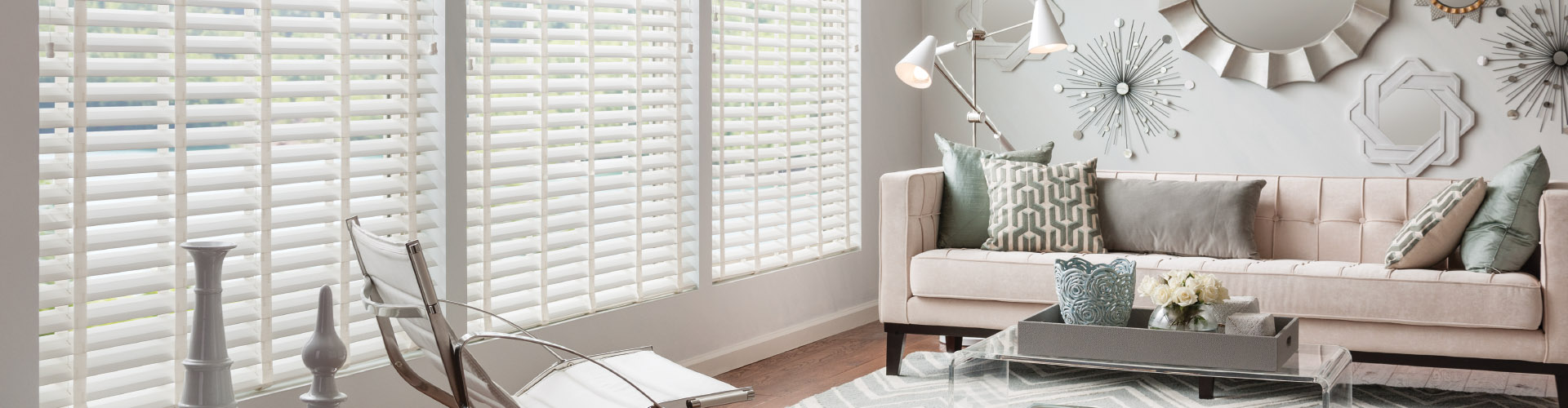 ... Faux Wood Blinds Living Room ...